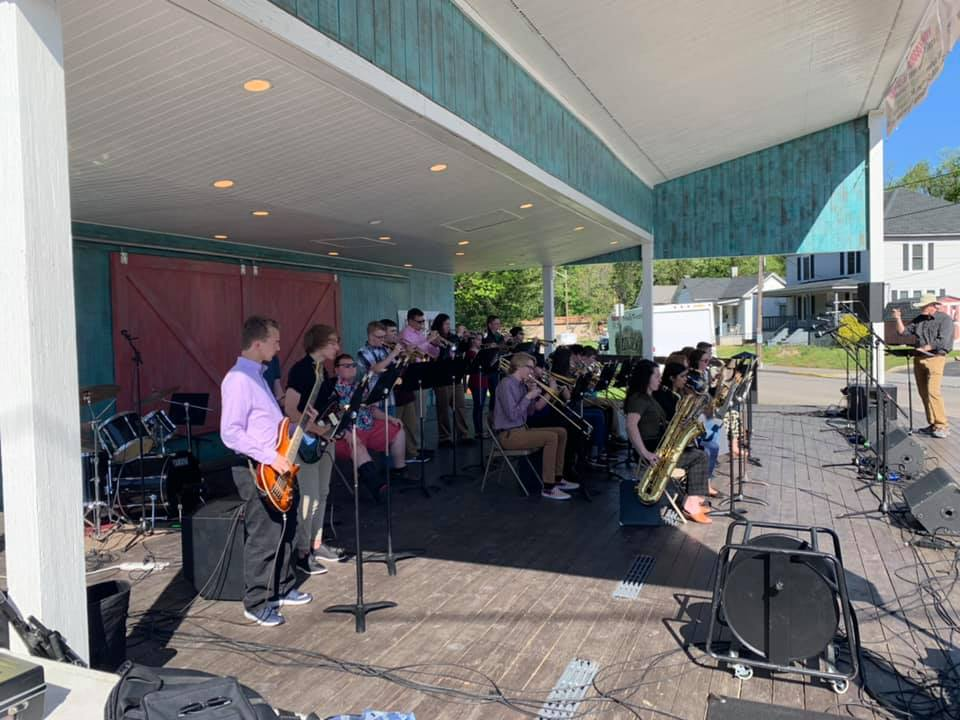 The Jazz band performing before the Vinton Dogwood Parade